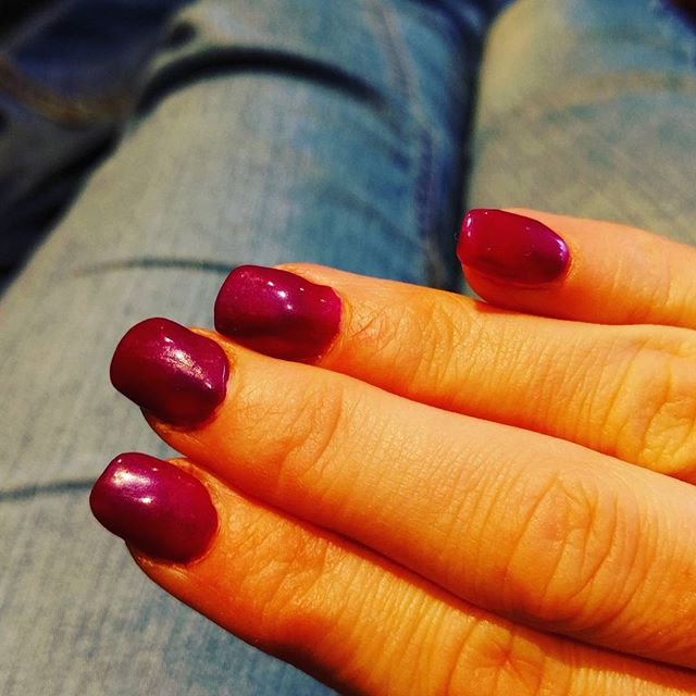 First time since Sqk arrived I have had my nails done....love the colour...