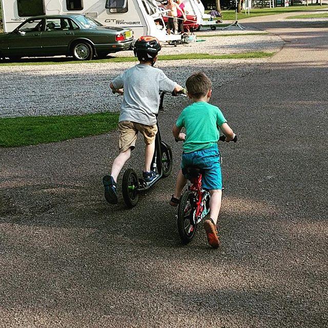 Sqk & friend racing......